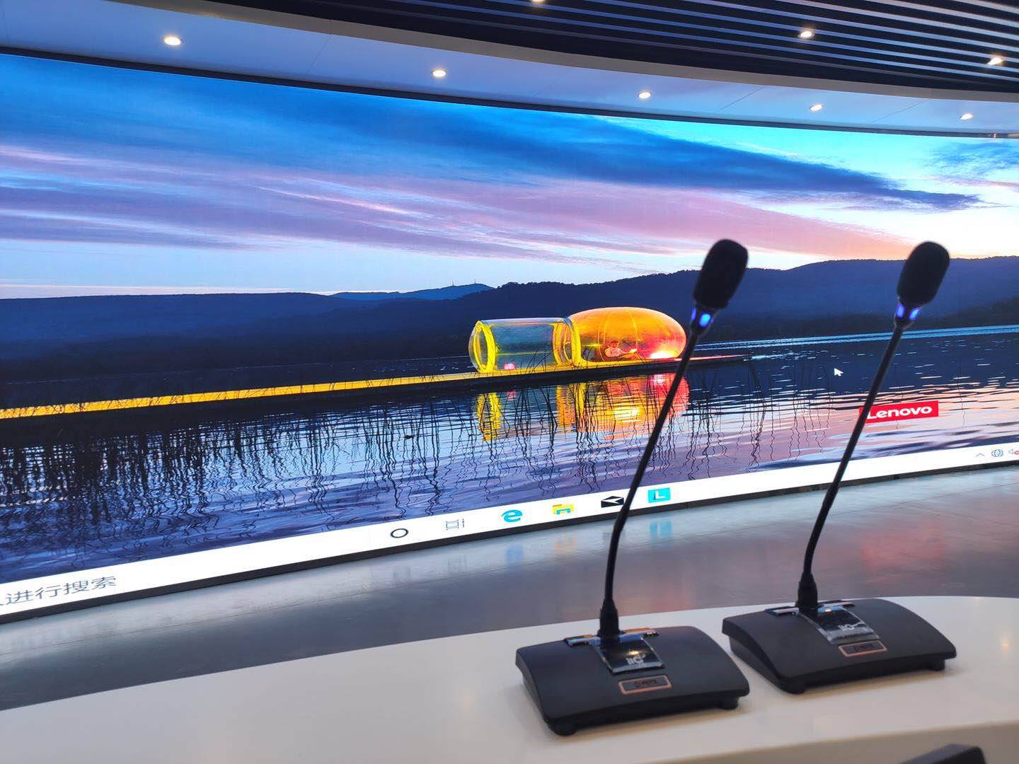LED fine pitch display in the field of radio and television broadcast applications